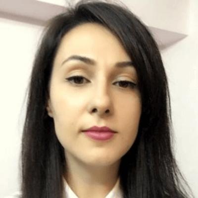 Ioana from PixTeller